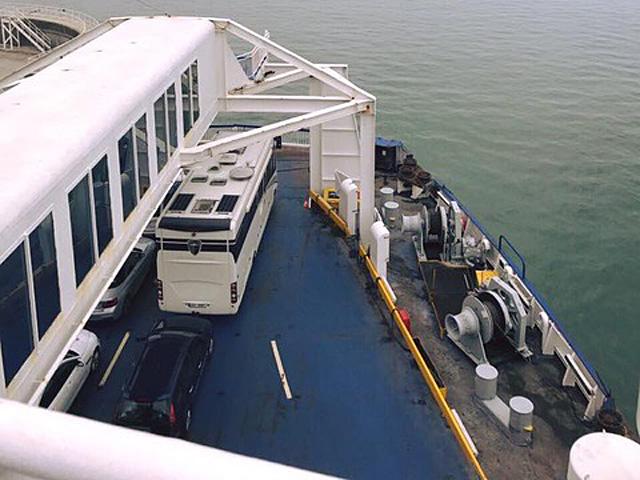 Cestování s Morelem na trajektu